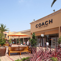 Coach Citadel Outlet Commerce, CA